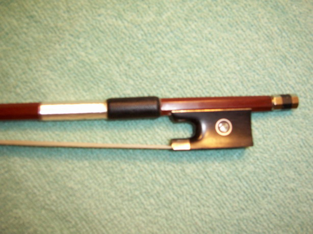 VIOLIN BOW, Brazilwood, Extremely Good Quality, 1/2